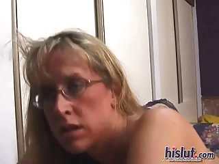 Lizzy is a horny MILF